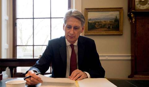 philip_hammond_3.jpg